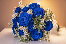 Bouquet Sposa Con Rose Bianche E Blu.Bouquet Da Sposa Per Matrimonio Lago Maggiore Lago D Orta