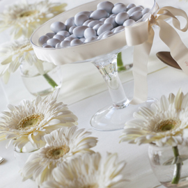 ivory sweet table