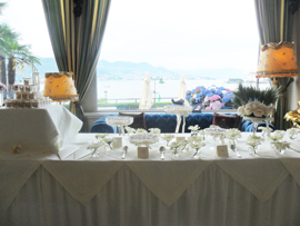 white sweet table lake maggiore