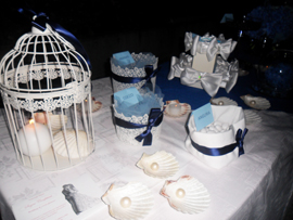 white blue sweet table